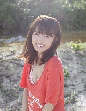 『逢田梨香子1st写真集(仮)』発売記念イベント サイン本お渡し会