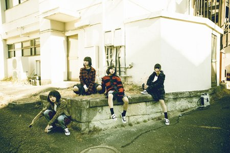 BiS 2月5日発売「LOOKiE」発売記念ミニライブ&特典会 2/5