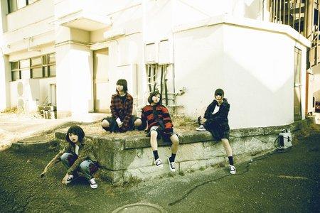 BiS 2月5日発売「LOOKiE」発売記念ミニライブ&特典会 2/7
